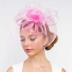 sinamay fascinator with curly bow Hat
